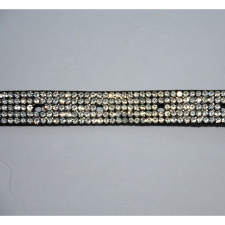 Curea cu cristale argintii aplicate pe fond negru, model elegant