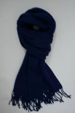 Esarfa bleumarin cu forma dreptunghiulara, cu aspect tricotat