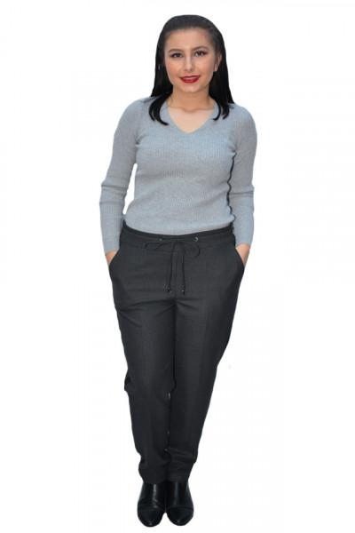 Poze Pantalon casual Jeniffer cu model pe picior ,gri