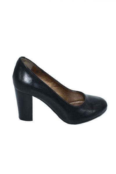 Poze Pantof de culoare negru din piele, cu varf rotund si toc inalt, gros