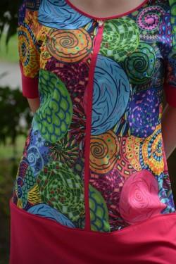 Bluza fashion multicolora, cu croiala dreapta si maneca scurta