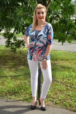 Bluza trendy cu insertie de fermoar in fata, design bleumarin-rosu
