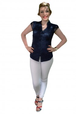 Camasa usor elastica cu dantela aplicata in fata, nuanta bleumarin