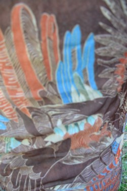 Esarfa moderna culoare maro cu imprimeu rafinat bine definit