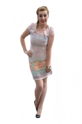 Poze Rochie fashion cu design floral pe fond plamaniu, model scurt