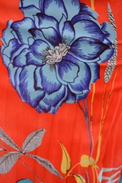 Rochie feminina cu croiala lejera, confortabila, cu elastic in talie