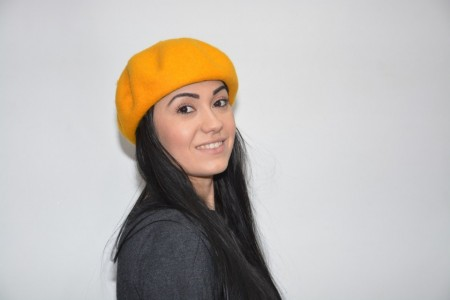 Caciula fashion, nuanta de galben prevazuta cu jnur reglabil