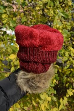 Caciula moderna din material tricotat cu model clasic, visiniu