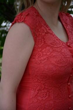 Camasa fina cu dantela, nuanta de corai, model casual-elegant