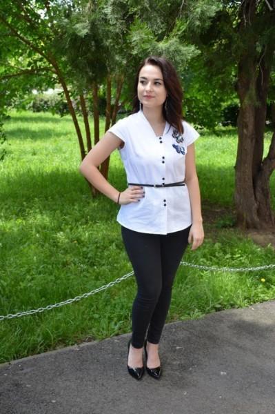 Camasa office Christine,aplicatii de margele,strasuri ,nuanat de alb
