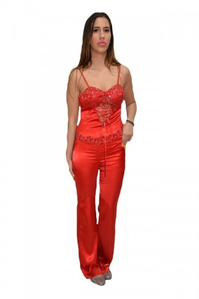 Poze Costum elegant din saten, culoare rosie, cu design dantelat