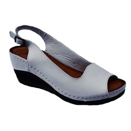 Poze Sandale cu platforma nuanta de alb