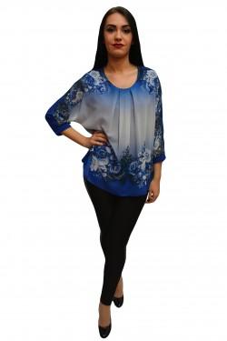 Poze Bluza albastra cu imprimeu de flori si strasuri, model pentru ocazii