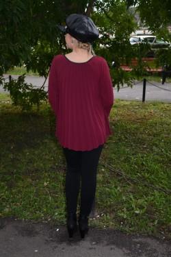 Bluza casual cu model de pliuri mari verticale, nuanta marsala