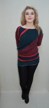 Bluza in nuanta de bleumarin-rosu, design deosebit