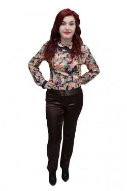 Poze Pantalon vintage, de culoare maro, design interesant cu nasturi
