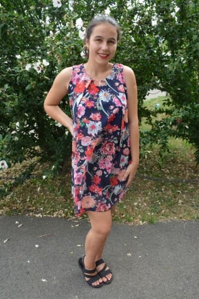 Rochie de vara Aase cu aplicatii de voal si imprimeu floral,nuanta de bleumarin