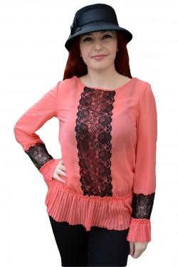 Poze Bluza cu maneca lunga, nuanta de corai, cu design de dantela aplicata