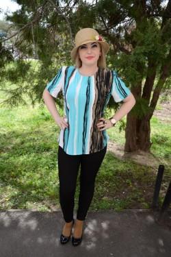 Bluza cu maneca scurta, nuante alb-albastru-negru