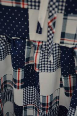 Bluza rafinata pentru colanti cu imprimeu alb-bleumarin-rosu