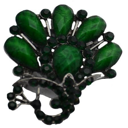 Brosa deosebita cu cristale colorate si perle albe, forme rafinate