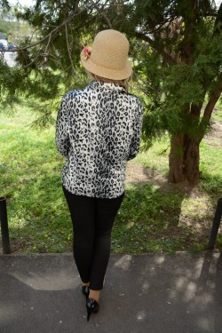 Camasa cu maneca lunga, eleganta, din saten alb-ngru
