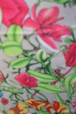 Esarfa casual-elegant cu design multicolor si paspoal maro inchis