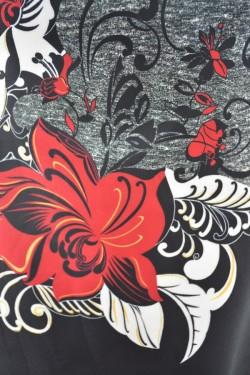 Rochie in tendinte masura mare, nuanta neagra cu imprimeu floral