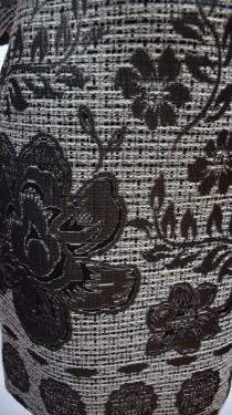 Rochie practica de zi, de culoare gri deschis cu imprimeu floral