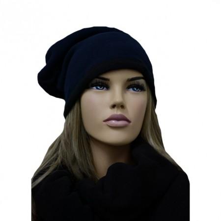 Caciula originala cu aspect simplu, culoare bleumarin cu tiv negru