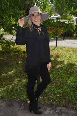 Camasa subtire cu maneca lunga, culoare neagra, aspect modern