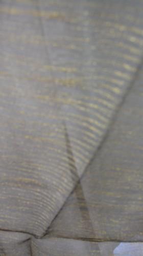 Esarfa clasica cu forma dreptunghiulara de culoare negru-argintiu,negru-auriu,auriu