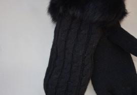 Manusa tinereasca, neagra, cu manseta din blana naturala