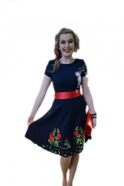 Rochie fina de ocazie, nuanta bleumarin cu cordon rosu in talie