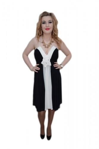Poze Rochie trendy, nuanta de negru-alb, decolteu in V