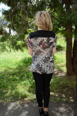 Bluze cu maneca scurte, din voal floral