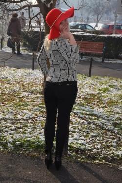 Camasa rafinata cu design de carouri mici alb-negru si buzunare