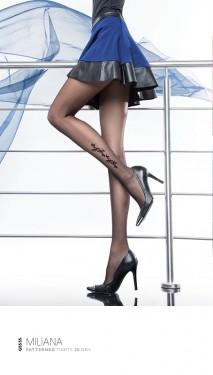 Poze Ciorapi dama,eleganti, negri cu model in exterior
