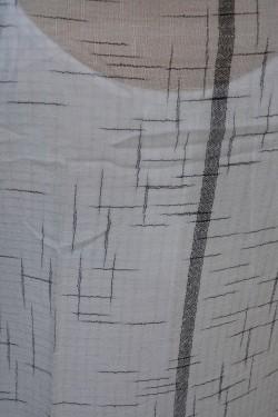 Esarfa casual din tesatura fina de culoare gri cu dungi asimetrice