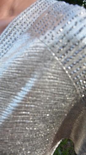 Rochie fashion de culoare auriu, pietre aplicate