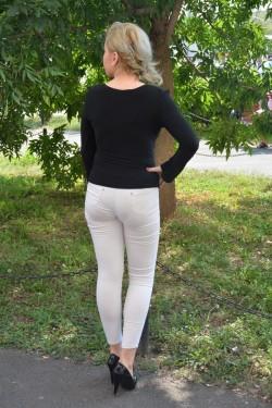 Bluza de ocazie de culoare neagra, croi asimetric, maneca lunga