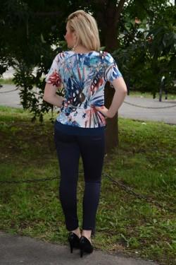 Bluza lejera de zi cu design multicolor, model crapat pe laterale