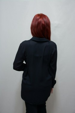 Camasa casual, de culoare neagra, cu pliseuri mari si croi evazat