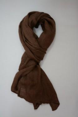 Esarfa practica din textil moale, in nuanta de maro inchis