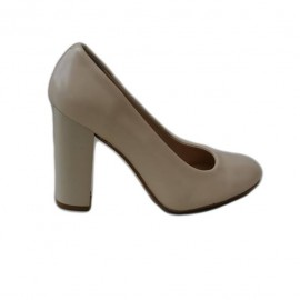 Pantof de culoare crem, din piele naturala lacuita cu toc gros