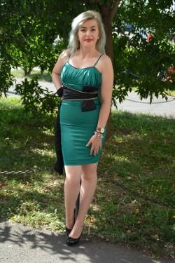 Rochie de ocazie, verde, din saten, cu insertie de funda mare