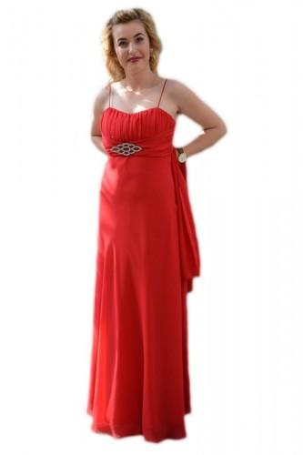 Poze Rochie rafinata lunga, model simplu si de efect, pe culoare rosie