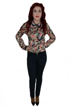 Poze Pantalon trendy, nuanta de bleumarin, design floral modern