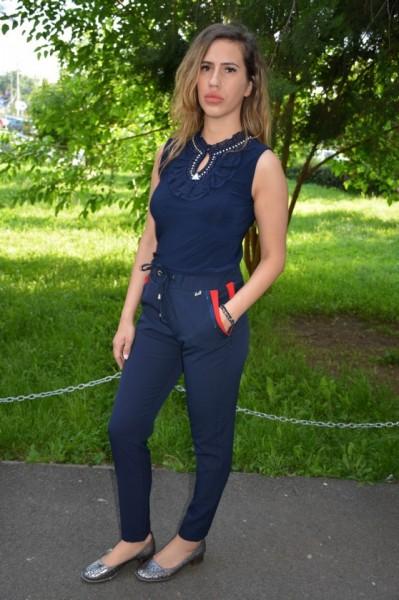 Pantaloni Baez cu strasuri la buzunare ,nuanta de bleumarin