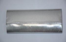 Poseta argintie de gala, gen plic cu clapeta, aspect simplu